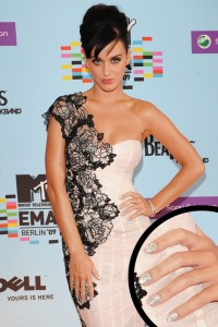 Katy-Perry-diamond-nails-2009-MTV-Europe-Music-Awards-Berlin