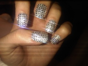 katy-perry-bling-nails-kimmie-kyees