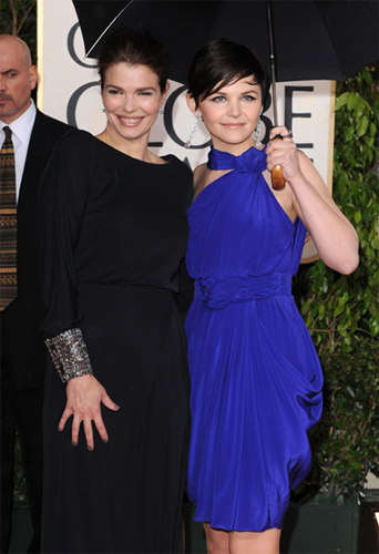 jeanne tripplehorn ginnifer goodwin 67th golden globes nails Golden Globes Nail Watch   Ginnifer Goodwin & Jeanne Tripplehorn