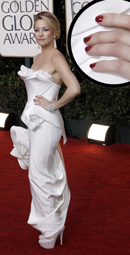 kate hudson golden globes red nails Golden Globe Nail Watch   Kate Hudson
