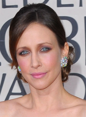 vera farmiga golden globes tina turnbow tarte Golden Globes Nail Watch   Vera Farmiga