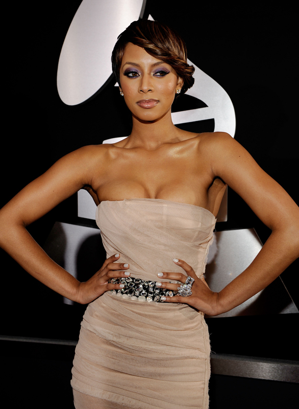 keri hilson grammys minx tease me white nails Rihanna Is So Money   Getting Minxd for the Grammys
