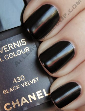 chanel black velvet swatch from the noir et or paris-shanghai collection