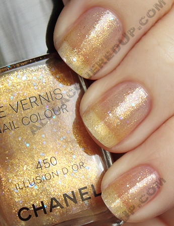 chanel illusion dor d or swatch paris shanghai le vernis Chanel Gold Lamé, Illusion Dor & Black Velvet Swatches, Review and Comparisons