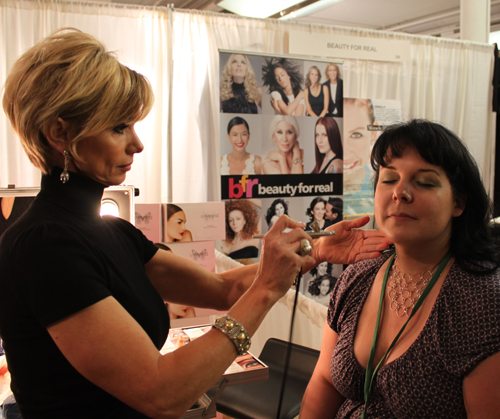 luminess-air-meredith-makeup-show-nyc