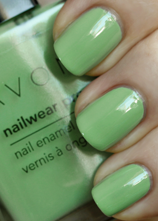 avon jade green nailwear pro nail polish swatch