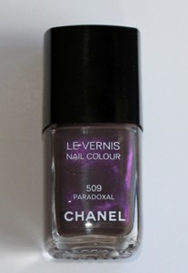 chanel paradoxal le vernis nail polish bottle fall 2010 207x300 Chanel Paradoxal Swatch, Review & Comparison
