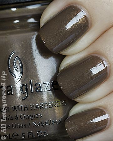china glaze ingrid swatch vintage vixen fall 2010 China Glaze Vintage Vixen Hotsy Totsy Swatches & Review