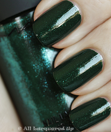 mac jade dragon swatch fall nail trend 10 MAC Nail Trend F/W 2010 Swatches & Review