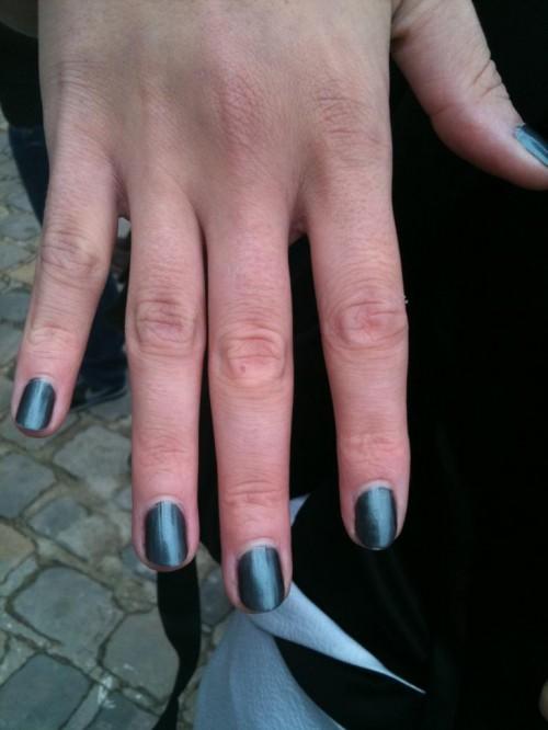 chanel black pearl nail polish
