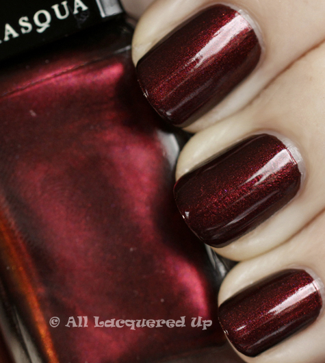 illamasqua scarab swatch art of darkness fall 2010 1 Illamasqua Scarab & Viridian from the Art of Darkness Collection