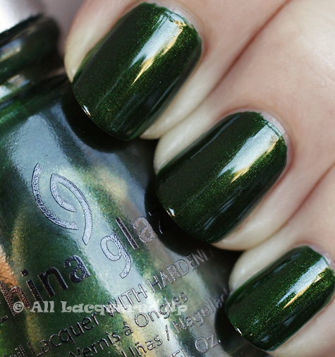 china glaze jolly holly swatch holiday 2010 China Glaze Holiday 2010   Blue & Greens Swatches, Review & Comparisons