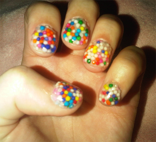 katy perry candy sprinkle nail art Katy Perrys Latest Nail Art Creations   Candyland and Glitzy Gray