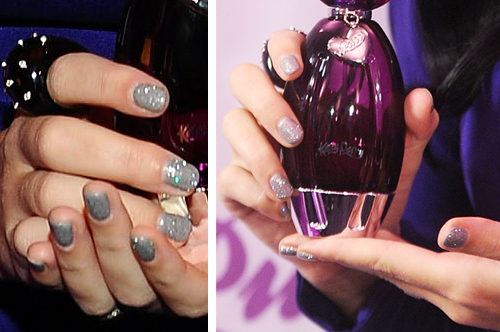 katy perry gray silver sparkly nails purr press tour Katy Perrys Latest Nail Art Creations   Candyland and Glitzy Gray