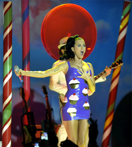 katy perry performing at the windows phone launch party