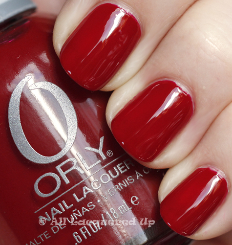 orly candy cane lane swatch holiday 2010 Orly Tis The Season Holiday 2010 Gift Set