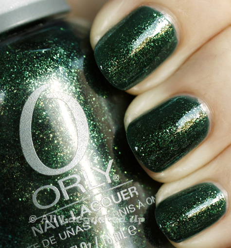 orly meet me under the mistletoe swatch holiday 2010 Orly Tis The Season Holiday 2010 Gift Set