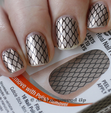 sally hansen salon effects wear test Sally Hansen Salon Effects Nail Polish Strips Review