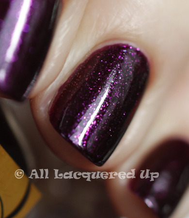 estee lauder ultra violet pure color nail lacquer swatch detail spring 2011