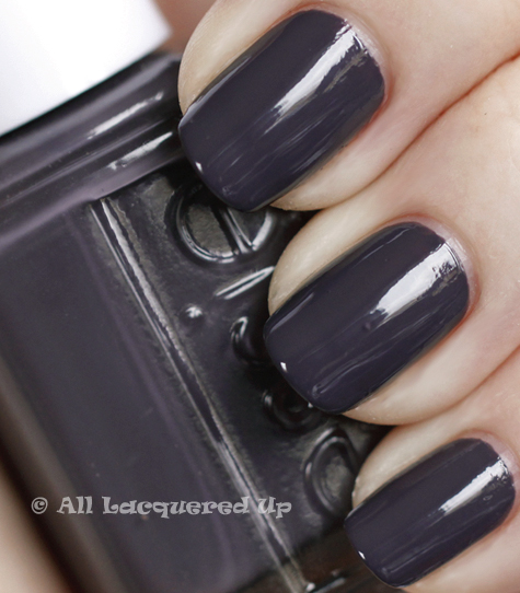 essie smokin hot swatch winter 2010 ALUs 365 of Untrieds   Essie Smokin Hot