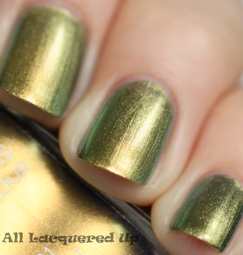 chanel peridot nail polish swatch fall 2011 duochrome ALUs 365 of Untrieds   Chanel Peridot from the Fall 2011 Collection