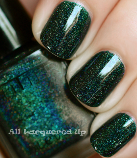glitter gal lizard belly linear holographic green nail polish swatch ALUs 365 of Untrieds   Glitter Gal Lizard Belly Green Holographic Nail Polish