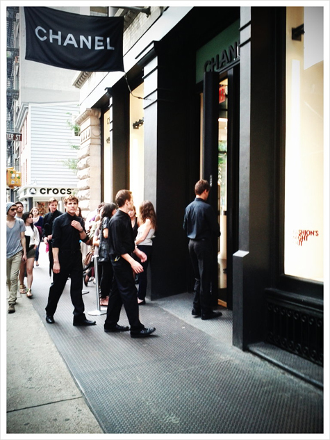 chanel-soho-fashions-night-out-les-jeans