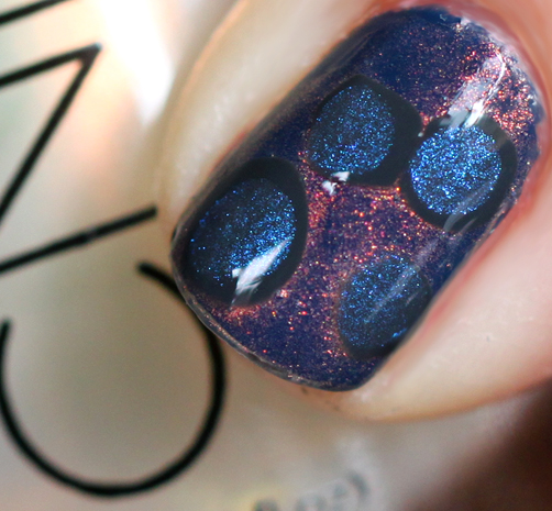 nail-art-tutorial-diy-nail-decal-cnd-chanel-blue-rebel