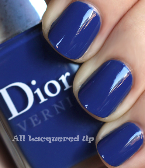 dior-blue-denim-nail-polish-swatch-fall-2011-sapphire-nail-trend