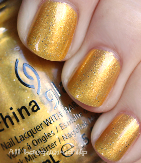 China Glaze Champagne Bubbles nail polish swatch holiday 2011 China Glaze Let It Snow Holiday 2011   Greens & Golds Swatches & Review