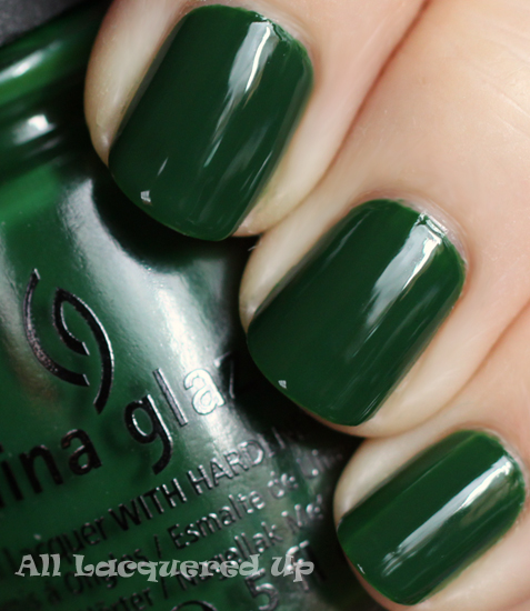 china glaze holly day nail polish swatch holiday 2011 let snow China Glaze Let It Snow Holiday 2011   Greens & Golds Swatches & Review