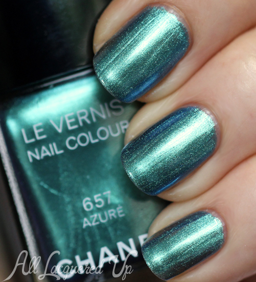 Chanel Azure Le Vernis nail polish swatch