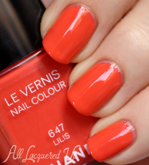 Chanel Lilis Le Vernis nail polish swatch