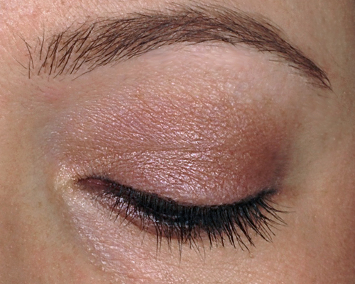 http://www.alllacqueredup.com/wp-content/uploads/2013/12/Urban-Decay-Naked3-Naked-3-eye-tutorial-look.jpg