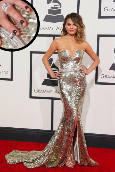Chrissy-Teigen-grammys-manicure-nails