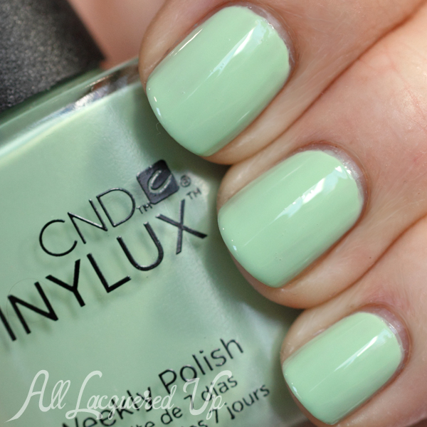 CND Mint Convertible VINYLUX swatch