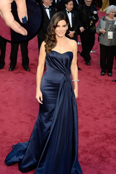 Sandra Bullock Oscars 2014 nails