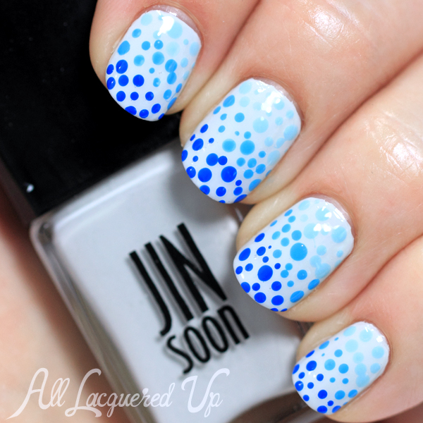 Blue Ombre Dotticure #ManiMonday