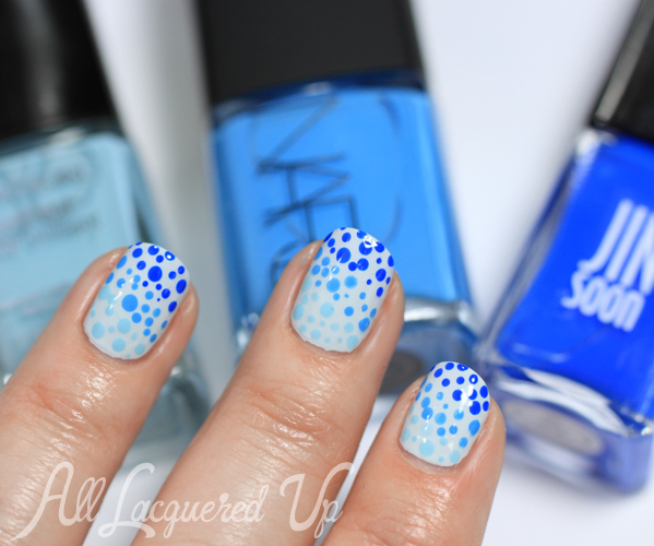 Blue Ombre Nail Art #ManiMonday
