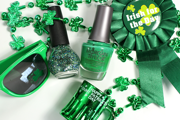 St Patrick's Day Nails - Green Manicure via @alllacqueredup